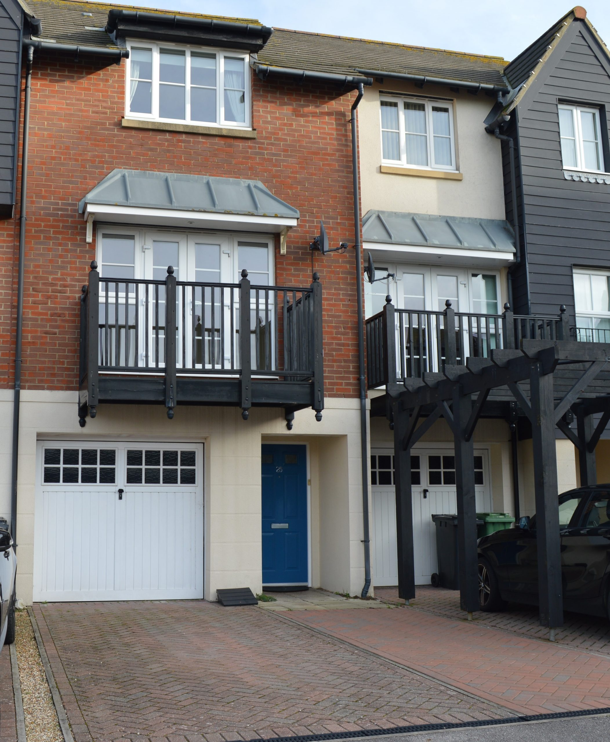 Immaculate 3 Bedroom Townhouse in Sought After North Harbour